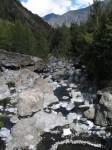 medium_riviere-parois-ravine-rochers-cilaos.jpg