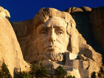 23244-30~Giant-Head-of-President-Abraham-Lincoln-at-Mount-Rushmore-National-Memorial-Posters[1].jpg