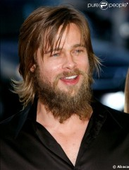 229866-brad-pitt-version-cheveux-gras-et-barbe-637x0-2.jpg