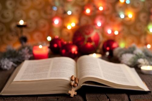 3  Bible-Noel-916x611.jpg