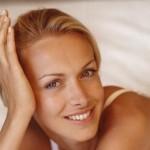 visage-de-femme-souriant-2156786_1350.jpg