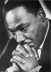 martin-luther-king-jr-praying[2].jpg